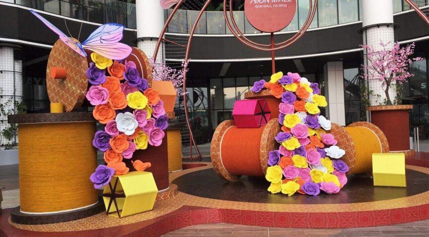 Hoa hồng khổng lồ Ogus tô điểm cho sảnh ngoài trời Aeon Mall Hà Đông