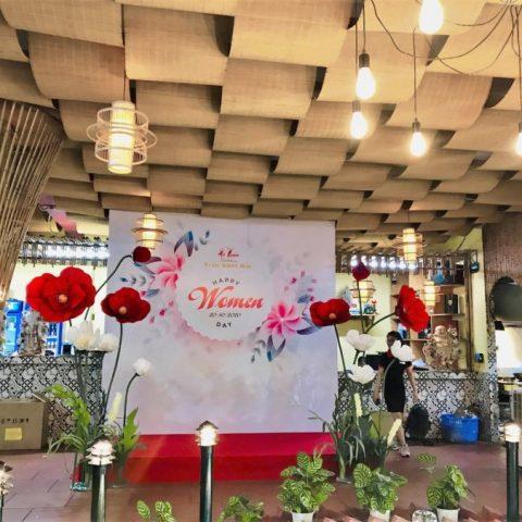 Ogus x Trâu Kinh Bắc – Khám phá không gian sự kiện 20/10 ấn tượng với hoa khổng lồ Ogus