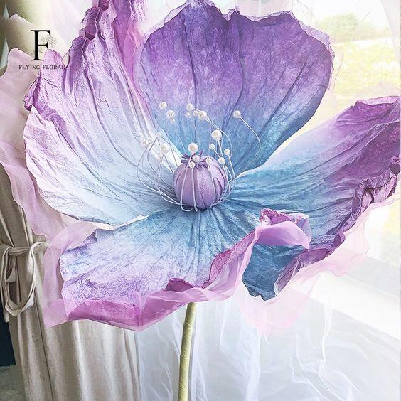 Bắt trend ngay tông màu tím cực hot với hoa giấy thủ công