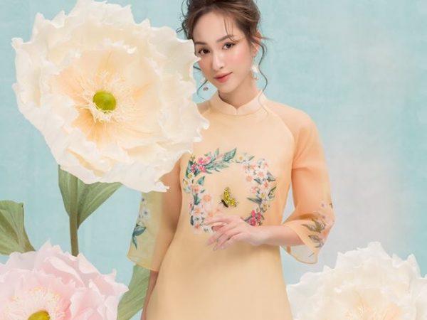 trang trí lookbook áo dài hoa khổng lồ ogus đẹp độc đáo (2)
